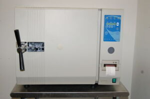 TUTTNAUER Fully Automated 3870EA Sterilizer for sale