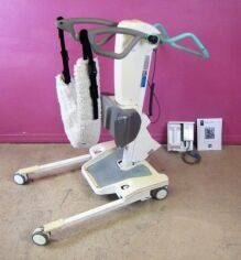 ARJO Huntleigh Sara 2000 Patient Lift Sit to Stand 1 Battery & Charger 400lb Lift Chair for sale