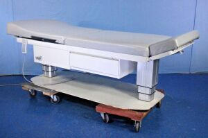 UMF 5005 Exam Table for sale