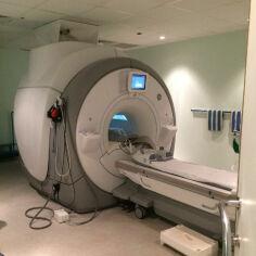 GE MR450 MRI Scanner for sale