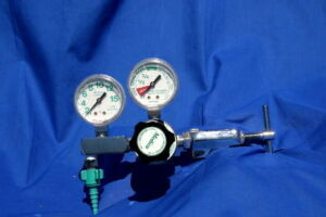 OXYGEN TANKS Regulator Oxygen Tank for sale
