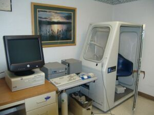 SENSORMEDICS VMAX 22/62 Body Box Plethysmograph for sale