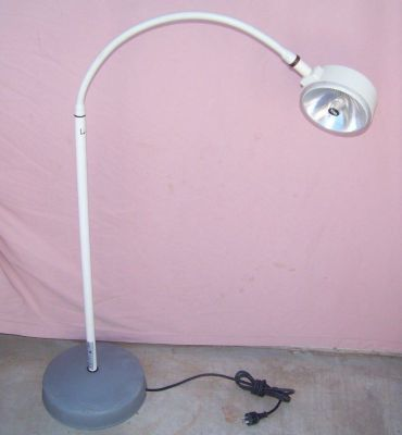 used welch allyn 44100 halogen stand light for sale dotmed listing 909762